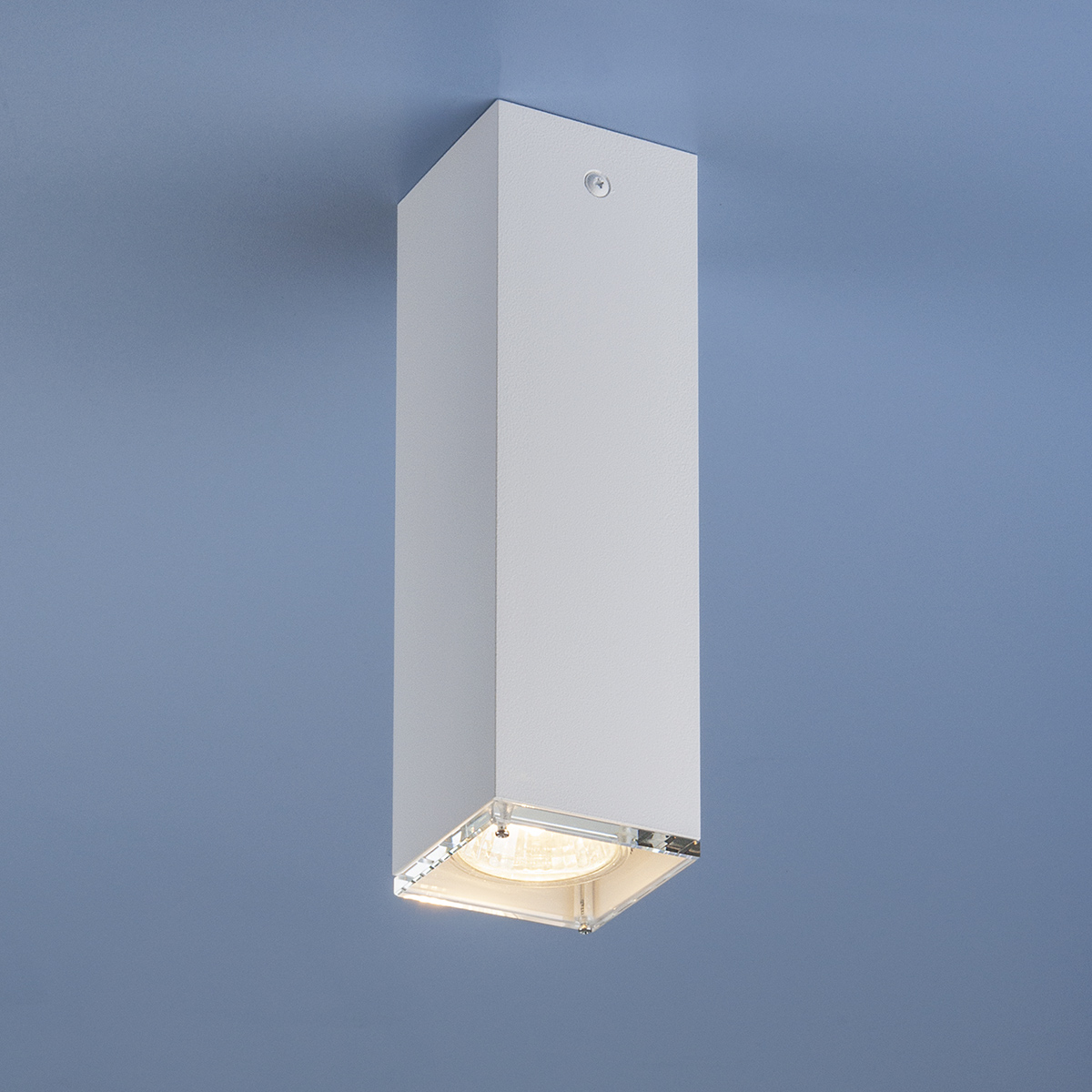 Накладной точечный светильник 5705 белый