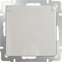Розетка влагозащ. с заземлением, крышкой и шторками (слоновая кость) /WL03-SKGSС-01-IP44